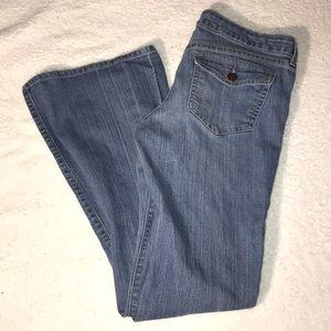 👠 Old Navy Womens Denim Bell Bottom Flare Jeans 6